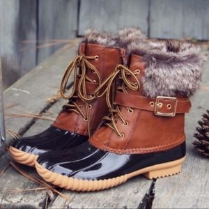 Shoes - NEW EMMA Autumn Feels Duck Boots